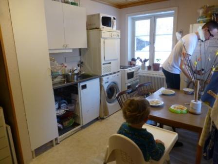 Provisoriskt kök i tvättstugan.
