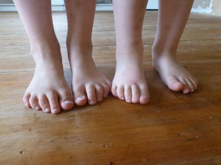 Raska fötter springa...