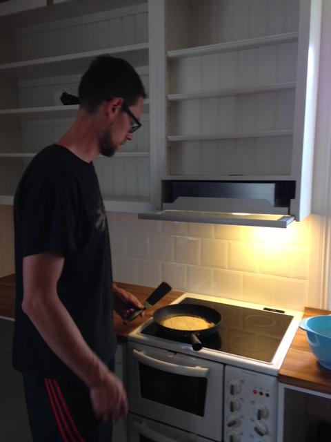Premiärmatlagning i köket.