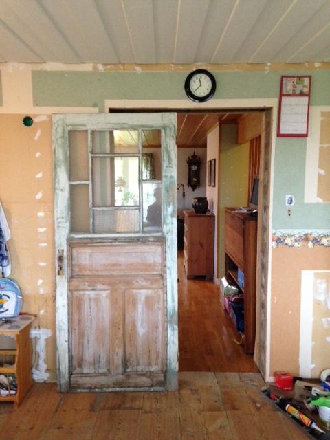 Den blivande skjutdörren från kökssidan.