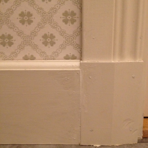 Dörrfoder, fodersockel och golvsockel.